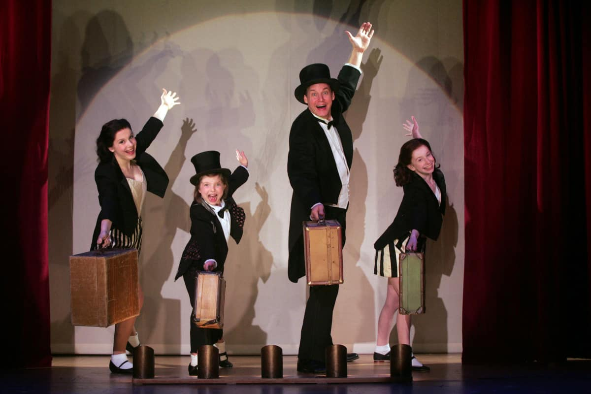 Chasing Rainbows - The Road to Oz Goodspeed Musicals East Haddam, CT 860-874-8664