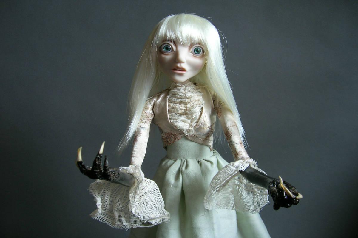 Beth Robinson, Strange Dolls, Vermont