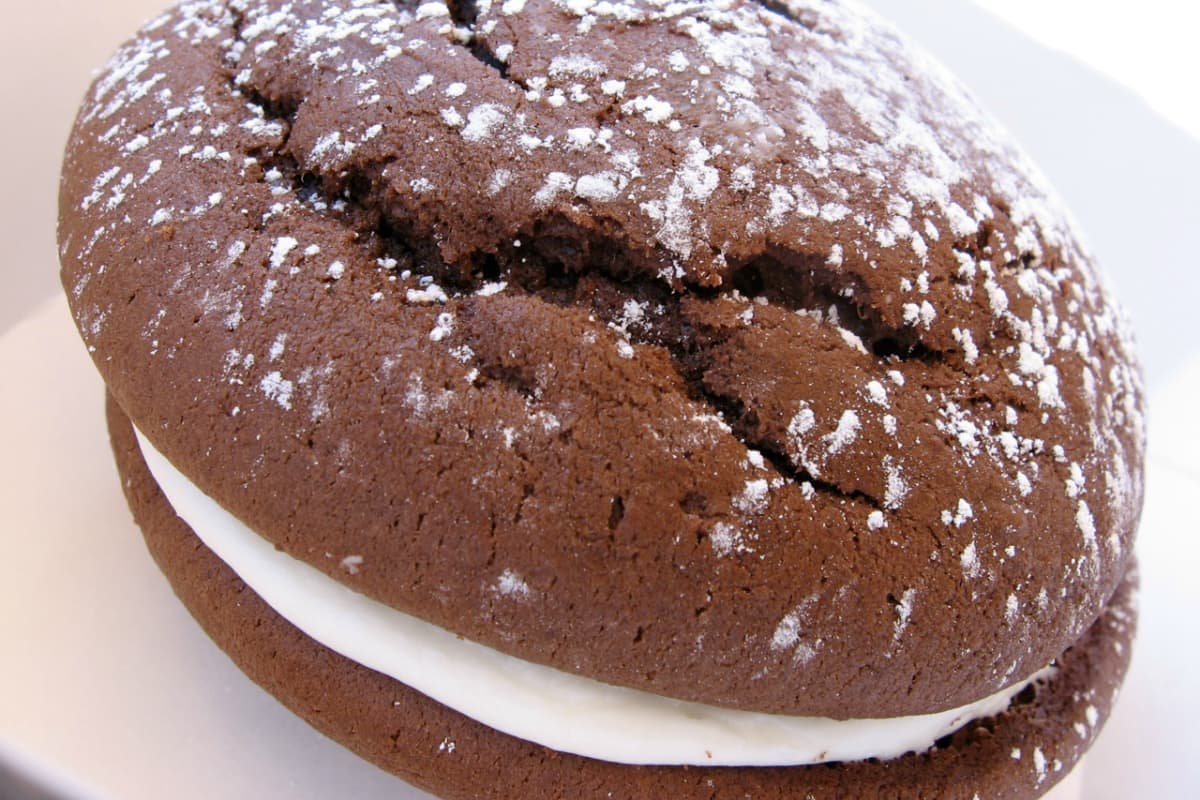 whoopie pie, image courtesy of Wikimedia Commons
